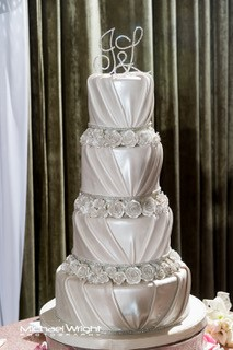 4 tiered cake for wedding